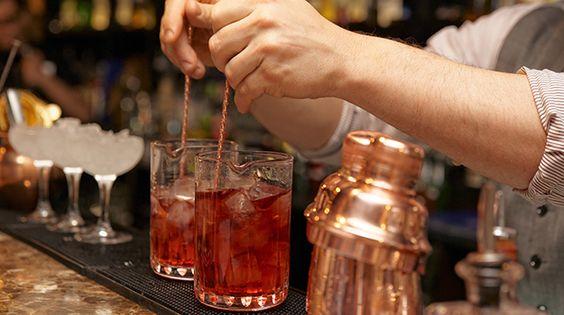 Là Bartender bạn đã nắm vững kỹ thuật khuấy cocktail?